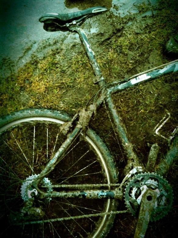 Muddy Bikes - Laatste tijd veel met wedstrijden rijden bezig dus iets minder met foto's. Maar heb nog genoeg liggen. Onder het trainen en wedstri