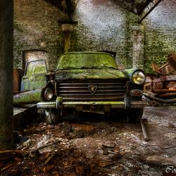 In de garage