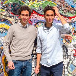 Eeneiige tweeling Camiel en Daniel 3
