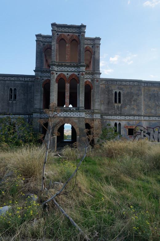 Villa Rosa 2 - Villa Rosa, maar nu van de andere kant gezien, met in de verte de Adriatische zee.
