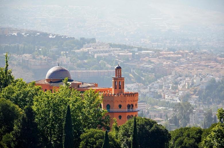 Uitzicht vanaf het Alhambra - Het Alhambra in Granada is een zeer indrukwekkende locatie. Vanwege de ligging op een heuvel heeft het ook een mooi uitz