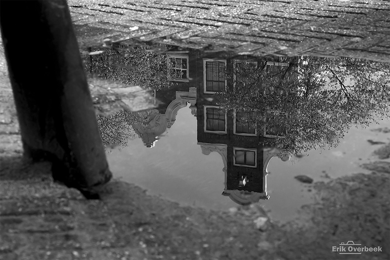 Amsterdam- weerspiegeling na regenbui - Amsterdam- weerspiegeling na regenbui<br /> <br /> Benieuwd naar meer architectuur- en landschapsfoto&#039;s