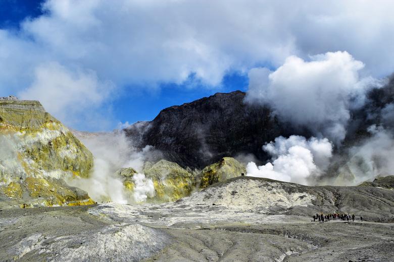 White island  - Deze foto van White island in Nw Zeeland is genomen voor dat er een vreselijke ramp zich daar voltrok op 9 december 2019.