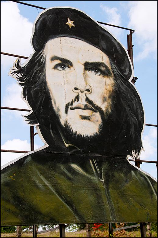 Cuba 134 - Ché Guevara, de held van Cuba. Wie heeft er vroeger niet een afbeelding van hem ergens op gehad, een poster aan de muur, een button etc? He