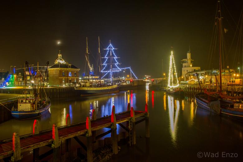 Kerst in Harlingen - Dank jullie wel voor alle reactie bij<br /> Zwarte wolken boven het Wad en <br /> in het land der duizend meren.<br /> <br />