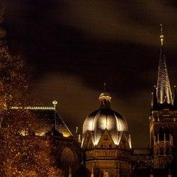 De Akener Dom bij nacht