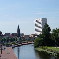 De schie met uitzicht op Schiedam