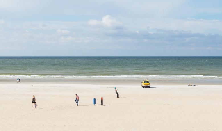 Op het strand.... - ....altijd leuk om te kijken wat er zoal rondloopt.<br /> Dank voor alle reacties op mijn vorige up!