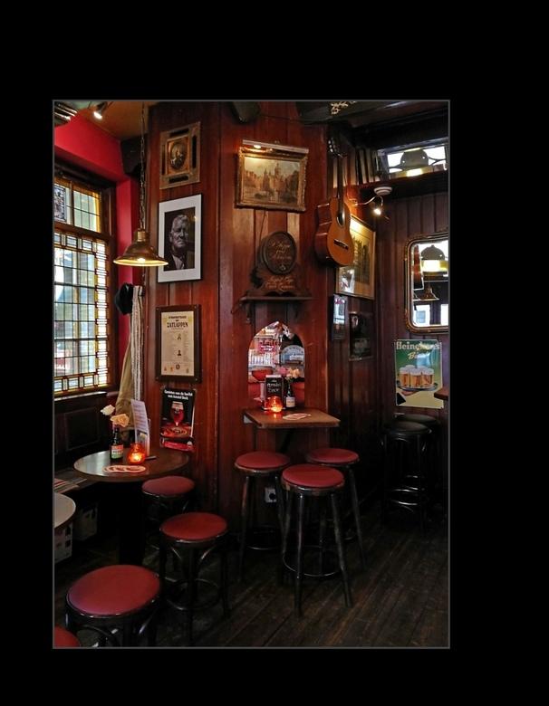 Vrij Entree - AMSTERDAM - één van de oudste proeflokalen &quot;De Ooievaar&quot; in Amsterdam.<br /> <br /> <br /> <br /> Weer bedankt voor alle r