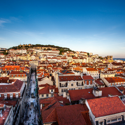 Zicht op Lissabon met Castelo de São Jorge