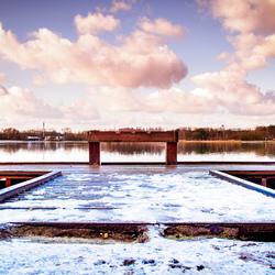 Steiger aan meer Rotselaar