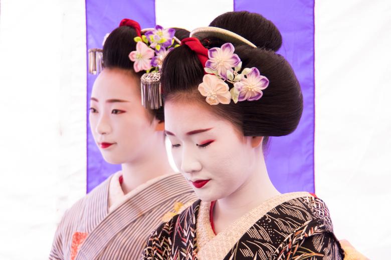 Maiko's - 2 maiko's ( leerling geisha's) In Kyoto, Japan