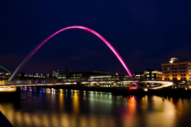 Gateshead Millennium Bridge - Gateshead Millennium Bridge in Newcastle. <br /> Ditmaal een dagje langer in Newcastle geweest, zodat ik de avond mee k
