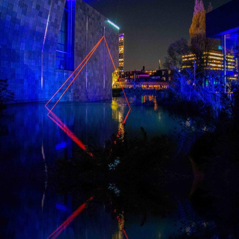 GLOW 2019 – Project 7 - Mindsets - Locatie van AbbeMuseum<br /> Mindsets is het resultaat van een unieke samenwerking tussen lichtkunstenaars Kari Ko