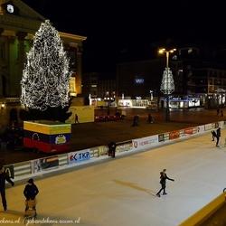 IJsbaan Grote Markt Groningen en Stadhuis.