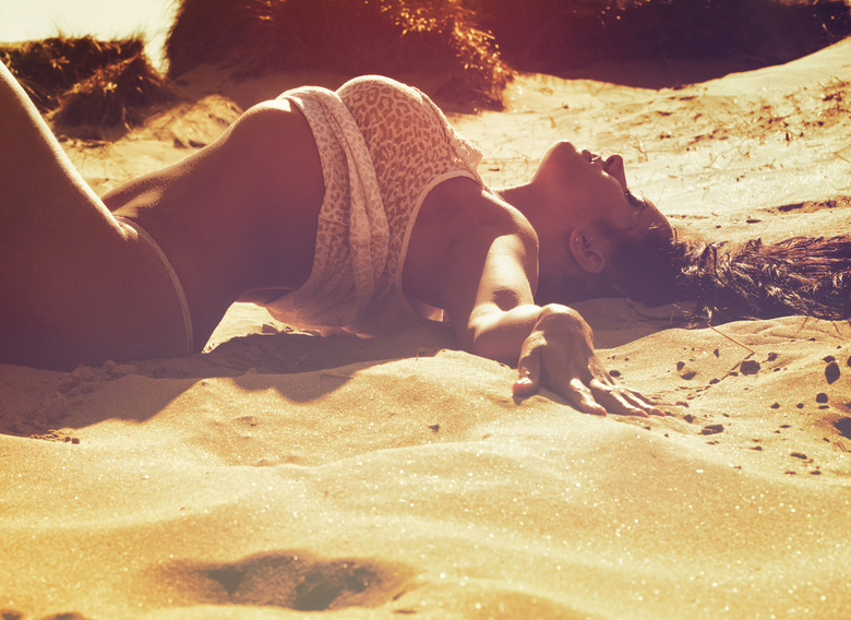 Crawling the Dunes  - Model: Valery