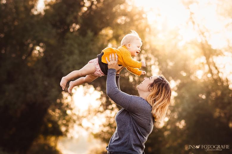 Moeder-dochter momentje -