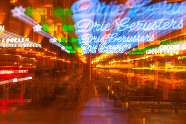 Drie gezusters ? Ik zie er 5. - Zoomen tijdens bulb van de drie gezusters in Groningen tijdens de nacht der nachten.