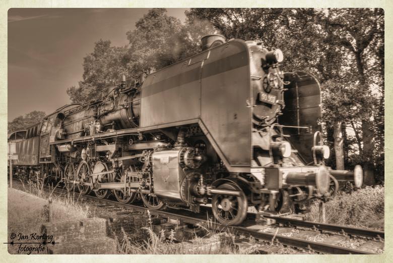 De 50307 - De 50 3564 is in 2012 teruggebouwd tot het originele uiterlijk van de altbau 50'er zoals deze in 1940 door de Wiener Lokomotivfabrik A