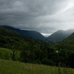 Regenwolken in de Haut Jura