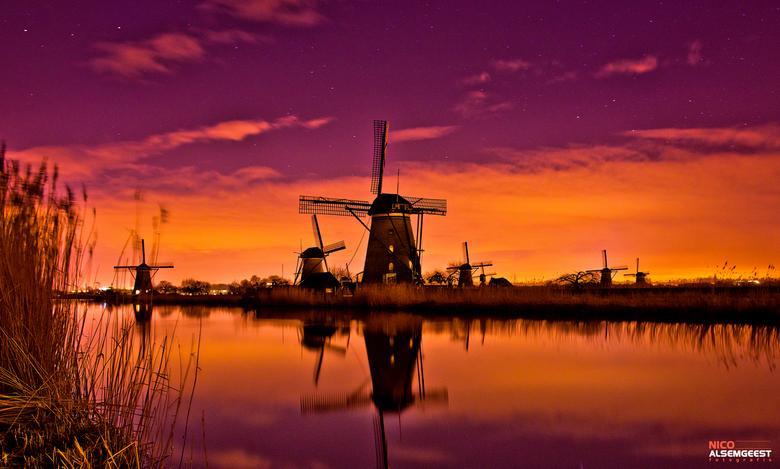 Kinderdijk - Foto 2 van gisteravond! Windmolens Kinderdijk <br /> <br /> <br /> Meer foto`s: www.facebook.com/nicoalsemgeestfotografie &amp; www.ni