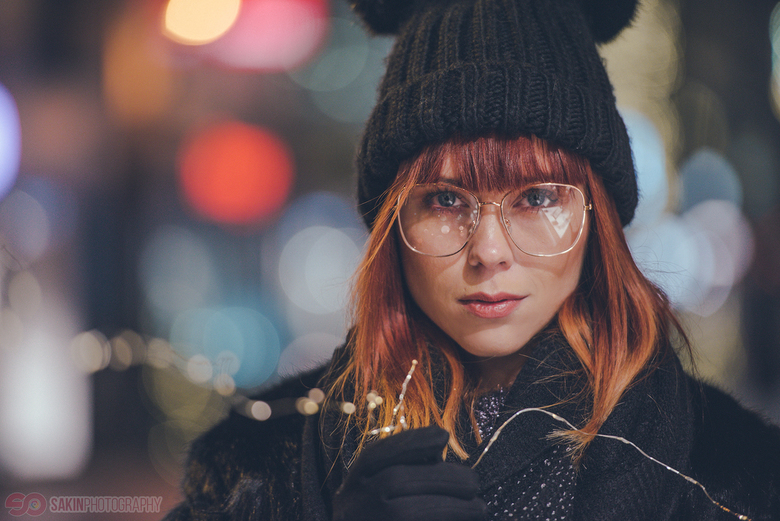 Laura with citylights