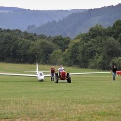 Verplaatsen van een zweefvliegtuig.