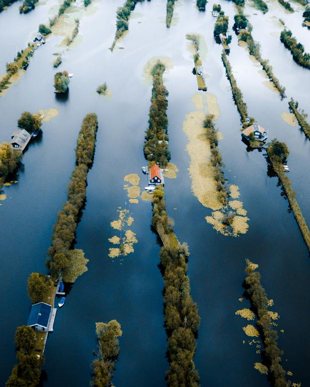 Zomerhuisjes op het water - Omdat de zomer het beste op / bij het water kan worden doorgebracht. Wie wil hier een zomerhuisje?