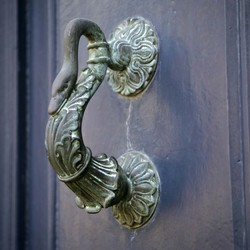 """deurklopper """"de zwaan"""""""