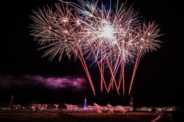 Vuurwerkshow Zutphen - Vuurwerkshow Zutphen ter ere van de feestweek