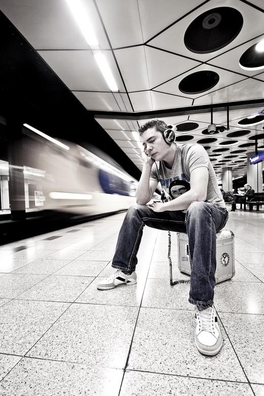 dj Tommy Pulse - Foto gemaakt ter promotie van een dj voor een boekingskantoor