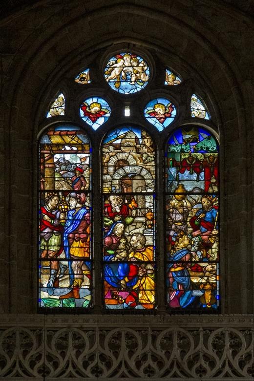 Spanje 119 - Wat konden ze vroeger toch prachtige glas-in-lood ramen maken.....<br /> <br /> Hopelijk zijn de ramen in de Notre-Dame ook gespaard ge