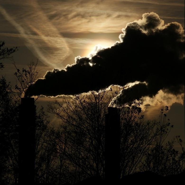 Bewerking: Schoorstenen van Afval Energie Bedrijf Amsterdam - De schoorstenen van Afval Energie Bedrijf Amsterdam.<br /> <br /> Mooie stoomwolken bl