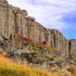 Zeskantige basaltzuilen in Gerduberg Ijsland