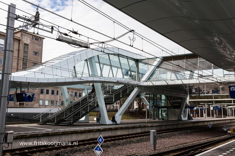 Perron centraal station te Arnhem - 20160305 1836 Perron centraal station te Arnhem
