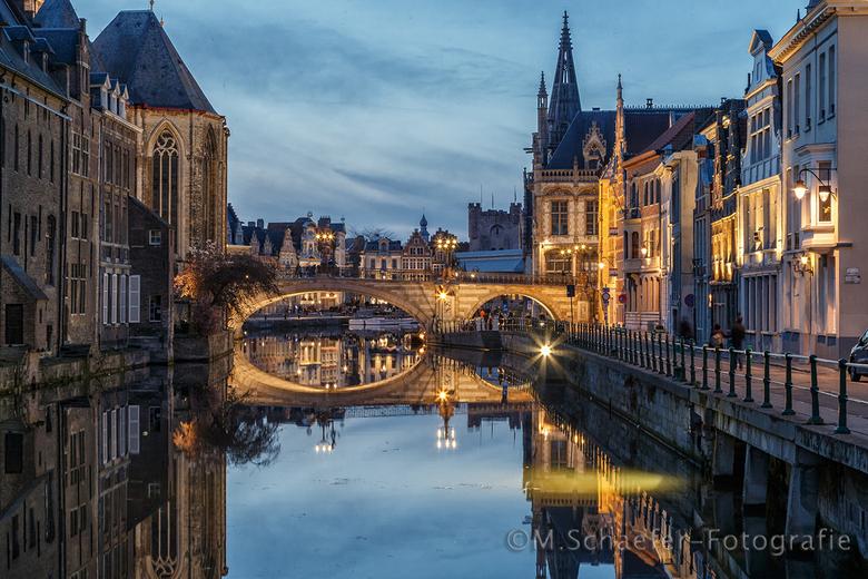Gent in blauwe kwartier - De Sint Michielsbrug in het blauwe kwartiertje kunnen maken in het centrum van Gent.