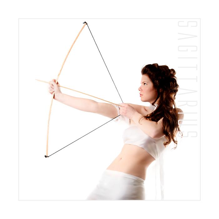 """Sagittarius - Boogschutter uit de serie """"Twaalf Sterrenbeelden"""". Het model is Anita Slagman."""