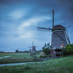 Het stormachtige blauwe uur in de Driemans polder te Leidschendam, Zuid Holland