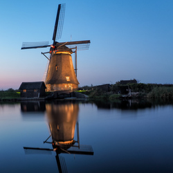 Molen in floodlight