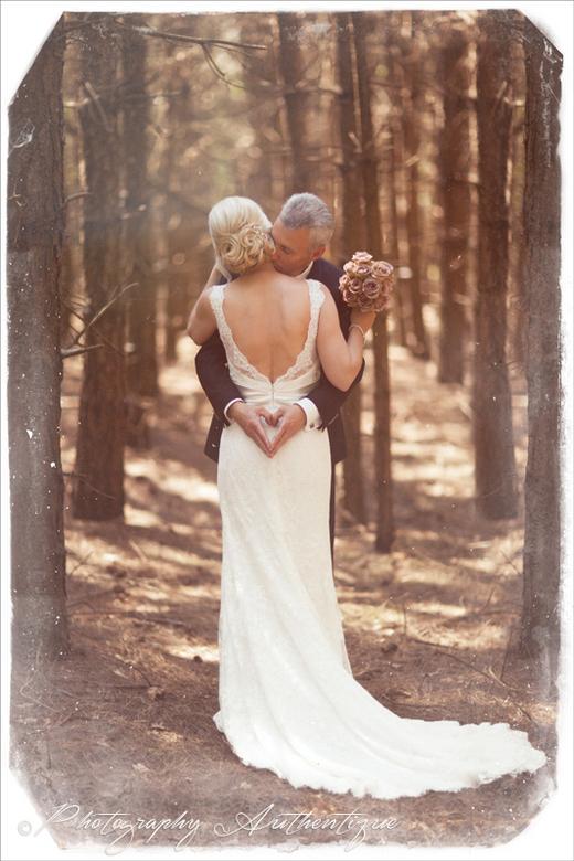 """Liefde is ... (Carine en Johnny) - Snikhete 5 juni 2015, dat was de huwelijksdag van Carine en Johnny en ik mocht hun fotograferen ... <img  src=""""/ima"""