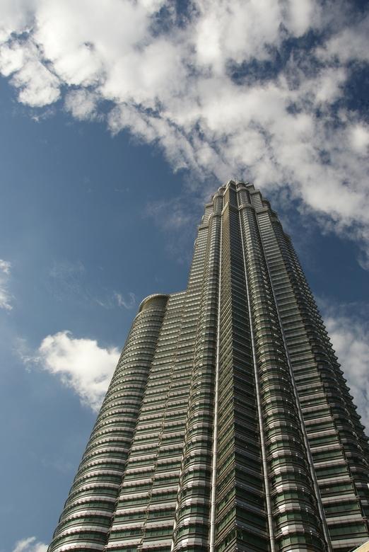 PTT (2) - Oftewel de Petronas Twin Towers in Kuala Lumpur. Het hoofdkantoor van de oliemaatschappij Petronas.