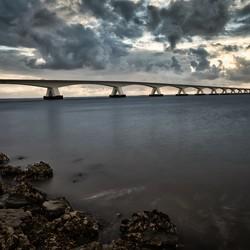 Wide shot van zeelandbrug