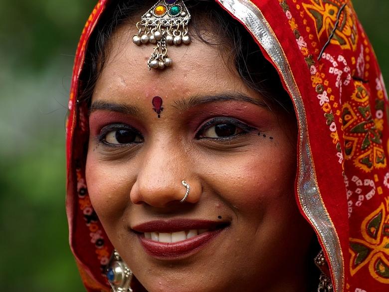 Gujarati - Danseres uit Gujarat ( India )<br /> Sivo ( Odoorn )<br /> <br /> Dank voor de reactie&#039;s bij &quot;The Train&quot;<br /> <br /> F