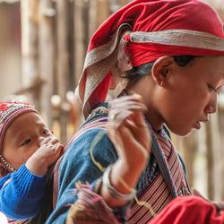 Moeder met kind (Vietnam Sapa)