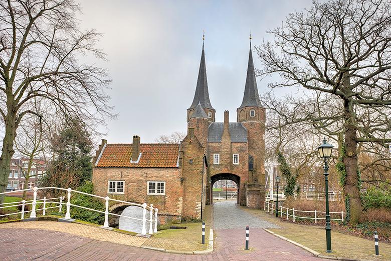 Oostpoort Delft - Nu volgt een serie van 3 foto's van de Oostpoort van Delft. Zelfs de beroemde schilder Vermeer schilderde deze Oostpoort al, da