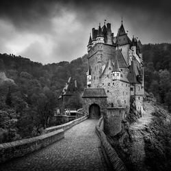 Burg Eltz B&W