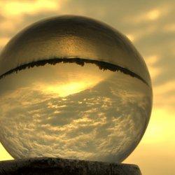 Avondzonnetje boven het Gooimeer door de bol