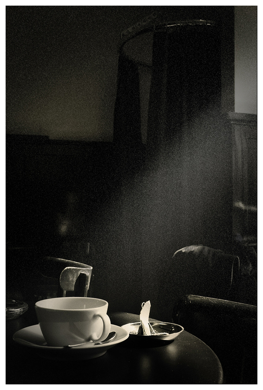 tea noir . . . - in my fav jazzy bar