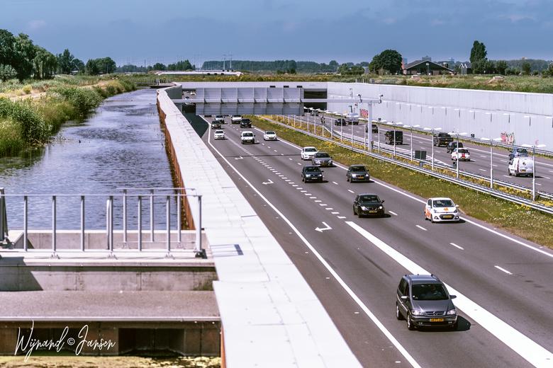 A4 tussen Delft en Schiedam - de A4 ligt in gegraven tussen Delft en Schiedam in een heel mooi landschap. Langst de A4 heb je prachtige fietsroutes  e