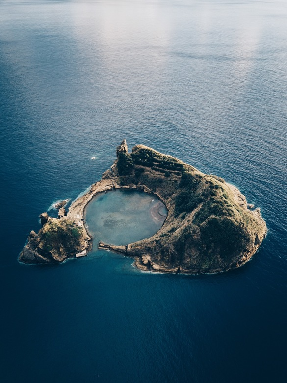 Islet of Vila Franca do Campo - Formed by the crater of an old underwater volcano. The islet of Vila Franca do Campo has inside an almost perfectly ci